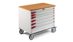 Master, chest of drawers with wheels
